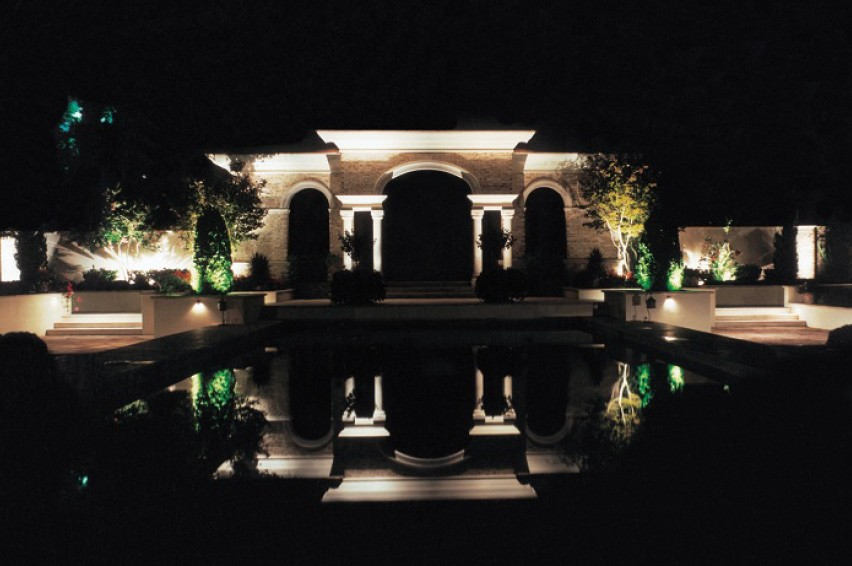 Olander Dark Reflective Pool